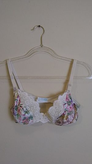 Vintage Chantilly Maidenform Floral Satin Lace Bra for Sale in Tacoma, WA