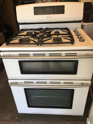 30 inch gas top/ electric dual oven Jenn-Air range for Sale in Kennewick, WA