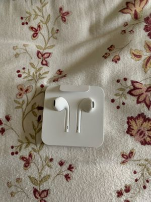 Apple earbuds earphones for Sale in Fresno, CA