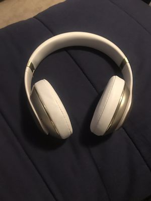 Beats studio 2 wireless for Sale in Clayton, NC