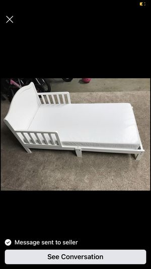 Toddler bed with Mattress for Sale in San Diego, CA