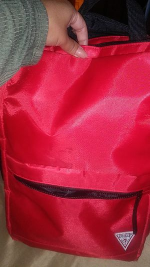 Red guess Back pack ! for Sale in San Fernando, CA