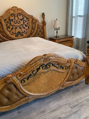 Aico king size bedroom set the Trevi collection for Sale in Lake Wales, FL