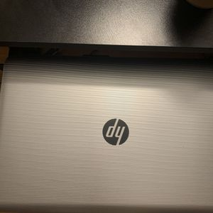 Hp Notebook Computer Comes With Charger ( Read Description) for Sale in Staten Island, NY