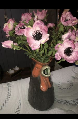 Rooster Pot/ Rooster Vase and Artificial Flowers with Vase for Sale in Wilmer, TX
