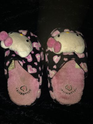 Hello kitty girls slippers size S13-1 for Sale in Winter Springs, FL
