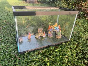 Fish Tank (terrarium) for Sale in Valrico, FL