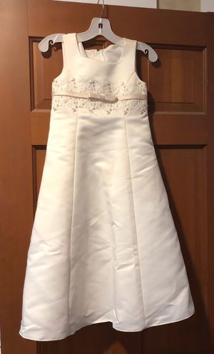 Flower girl dress: Ivory, size 4 for Sale in Portland, OR