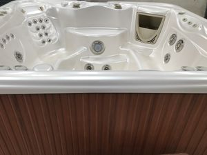 7 Person Hot Springs Tub for Sale in Cedar Hill, TX