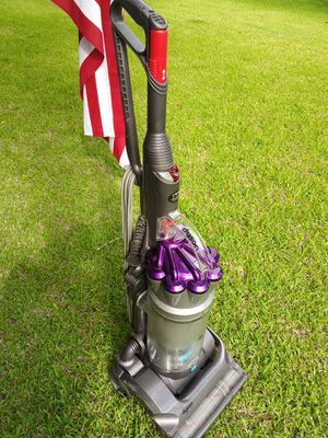 Vacuum cleaner for Sale in League City, TX