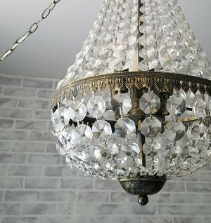 Crystal chandelier with plug in cord for Sale in Brooklyn, NY
