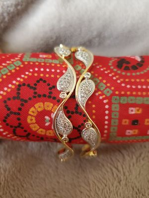 Set of 2 bangles/bracelets for Sale in Peoria, IL