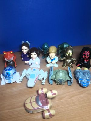 2005 L.F.L COLLECTIBLE STAR WARS FIGURES for Sale in Arlington, TX