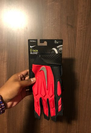 Nike D-Tackle Gloves / Football Gloves for Sale in Pasadena, CA