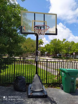 Spalding basketball hoop for Sale in Miami, FL