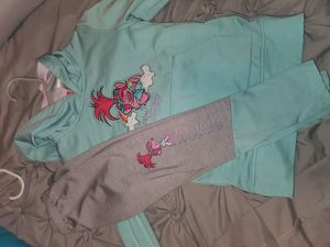 Trolls 2 piece adorable outfit size 4t for Sale in Euless, TX