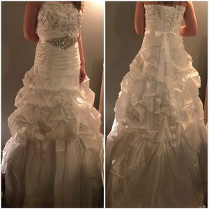 New white taffeta wedding gown for Sale in East Wenatchee, WA