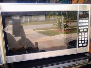Hamilton Beach 1000 Watt Microwave for Sale in Clearwater, FL
