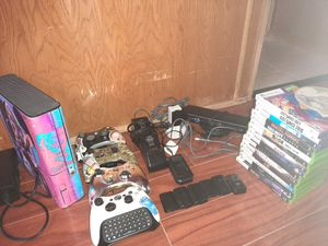 Harley Quinn Xbox 360 With Games Wires Remotes And Controller chargers for Sale in Las Vegas, NV