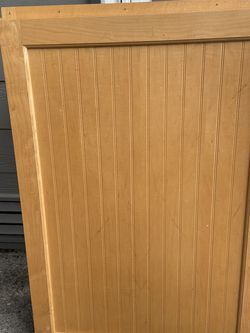 Wood Cabinet In Good Condition for Sale in Everett,  WA