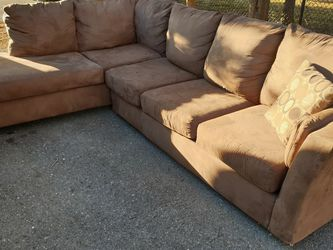 Sectional With Free Delivery for Sale in Silver Spring,  MD