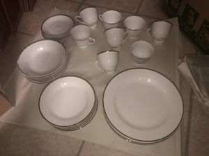 Classic white / gold rim dishes for Sale in Liberty, TX