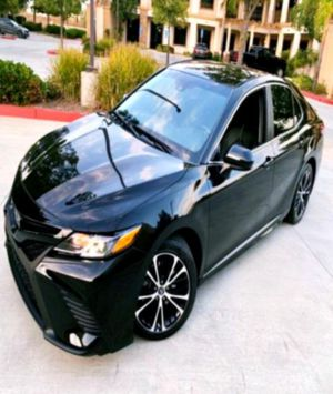 ↬ __'18 Toyota-Camry Smart device app function for Sale in Lynchburg, VA