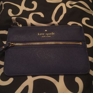 KATE SPADE WRISTLET-$25 for Sale in Columbus, OH