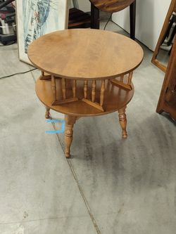 Colonial Maple Lazy Susan Corner Table for Sale in Hubbard,  OR
