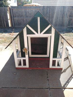 Nice Dog house for Sale in Stockton, CA