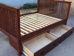 Full bed frame with two drawers in good conditions. for Sale in Fresno, CA