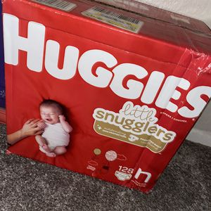 Newborn Huggie Diapers for Sale in Bloomington, CA