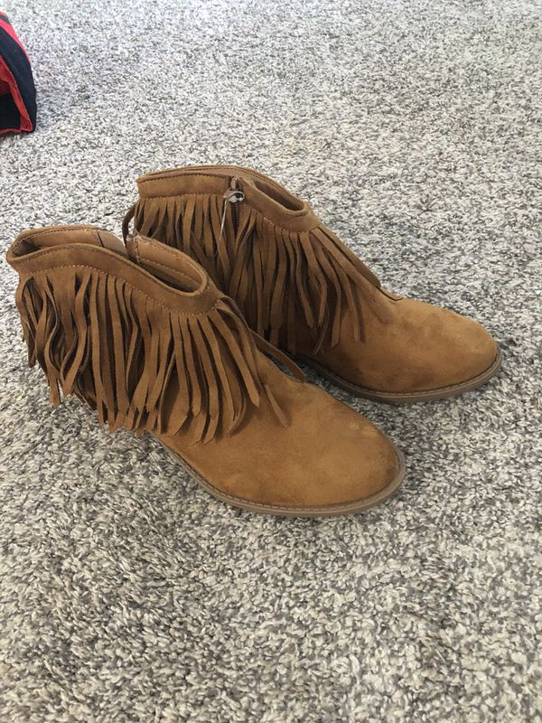New Size 10 Fringed Suede Boots