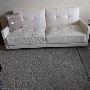 White leather futon couch for Sale in Woodbridge Township, NJ