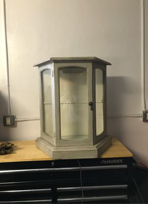 Small lighted curio cabinet for Sale in Riviera Beach, FL