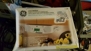 Space saving undermount radio and CD player for Sale in Pontiac, MI
