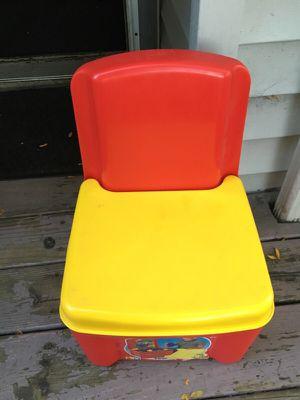 Little kids chair for Sale in Dearborn, MI