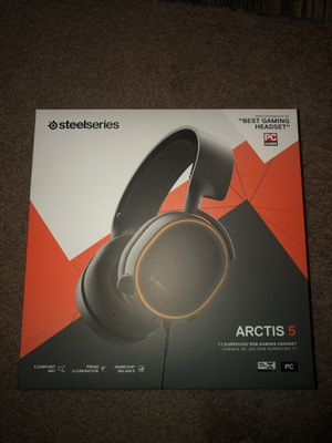 Arctis 5 Gaming Headset for Sale in San Diego, CA