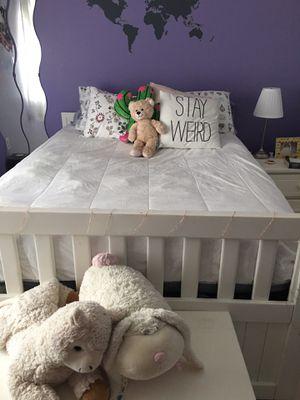 Full bedroom set for Sale in Miami, FL