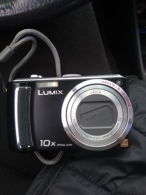 Lumix by Panasonic 10 megapixel Digital Camera for Sale in Eugene, OR
