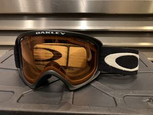 Oakley A-Frame Snow Goggle for Sale in Snohomish, WA