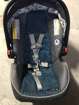 Graco car seat for Sale in Manchester, CT