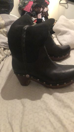 Ugg clog boot size 8 for Sale for sale  Queens, NY