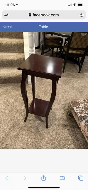 Table for Sale in Mount Prospect, IL