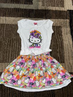 Hello kitty Dress Girls: SMALL (4-6) for Sale in Salinas,  CA