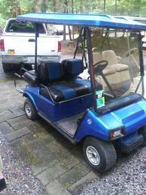 1993 Club car gas golf cart with back seat that folds down and Led lights runs great for Sale in Marysville, WA