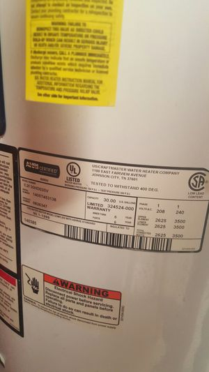 Electric water heater 30 gallon for Sale in Chicago, IL