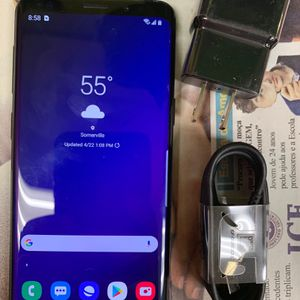Samsung galaxy s9 (64gb) unlocked , sold with store warranty for Sale in Boston, MA