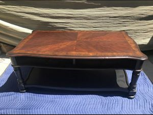 Center coffee table for Sale in Alhambra, CA