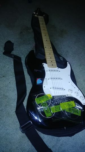 Silvertone electric guitar for Sale in Raleigh, NC